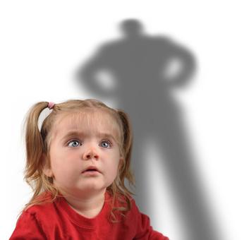 Dziewczynka cień mężczyzna Jawor pedofilia przemoc seksualna